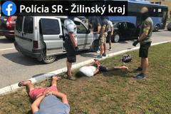 FOTO: Polícia urobila protidrogovú akciu priamo v centre Žiliny