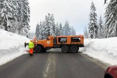 Do zimnej údržby nasadila župa aj 57-ročnú snežnú frézu