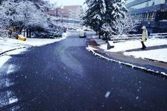 O chodníky v zime sa budú po novom starať mestá a obce, Žilina je pripravená