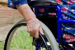 Barbarstvo: Invalidom kradnú vozíčky!