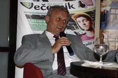 Jaroslav Holeček: Ak budeme rozvíjať automobilový priemysel, zabezpečí svetlú budúcnosť Slovenska