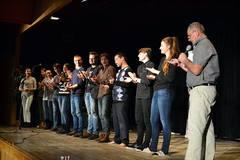 Prvý súťažný večer performerov v špecifickom štýle básnického prednesu