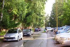 Spoplatnenie parkovania na sídliskách? Sú aj iné možnosti