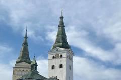 Veža katedrály je v novom šate