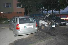 Na Vlčincoch a Solinkách horeli autá