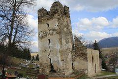 Starobylý kostolík je pre návštevníkov bezpečnejší