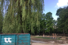 V parku sa začnú vysádzať trávniky a stromy