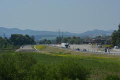 Kysucká diaľnica v nedohľadne. Zablokujú hraničné priechody?