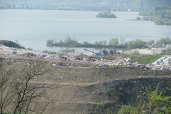 Miliónová pokuta za skládku odpadov v Považskom Chlmci