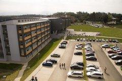 Žilinská univerzita prerušila výučbu. Študenti boli vyzvaní, aby opustili internáty