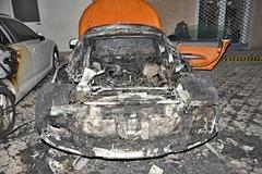 FOTO: Na Hálkovej zhorelo luxusné Audi. Majiteľ ponúka za dolapenie podpaľačov vysokú odmenu