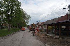 Mesto Rajec začalo s prvými opravami ciest