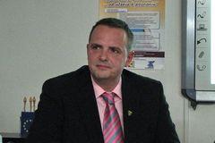 Patrik Groma ponúkol bezplatnú pomoc utečencom amigrantom