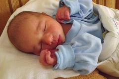Prvým dieťaťom je Adamko!