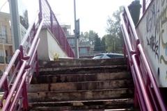 Kto je zodpovedný za schodisko pri parkovacom dome?