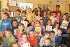 Ilustrátor Marián Čapka besedoval smalými školákmi