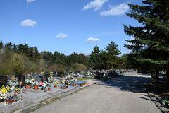 Žilinské cintoríny sa pripravujú na sviatky: Posilní doprava, polícia, otvorené bude nonstop