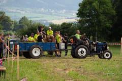 Podomácky vyrobené traktory si zmerali sily
