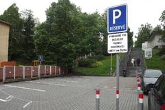 Nové parkovisko má zvýšiť bezpečnosť chodcov