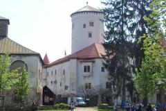Hradná veža jehotová