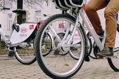 Bikesharing trhá rekordy. Nie všetci sa však vozia slušne