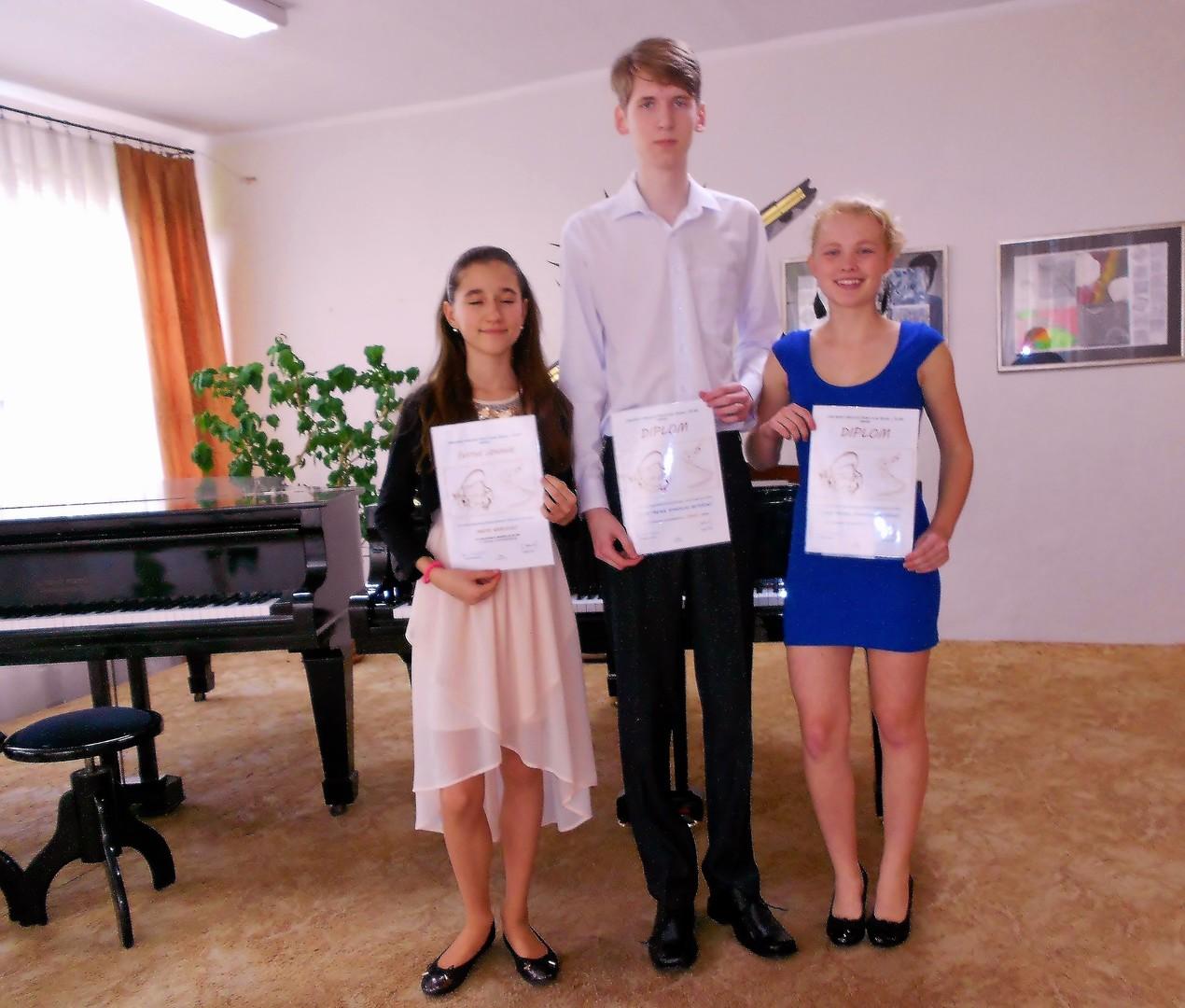 """Na tohtoročnú """"štvorručku"""" sa pripravilo 46 usilovných žiakov zo ZUŠ L.  Árvaya – Žilina 37b1dcbfb0e"""