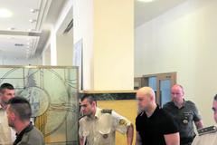Za vraždu v Rajeckých Tepliciach sa postavil pred súd