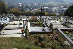 Počas víkendov sú cintoríny bez toaliet