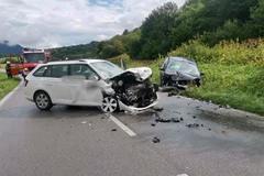 Nebezpečné zrážky áut: dve nehody na rovnakej ceste