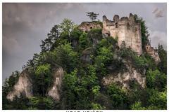 Na hrade Hričov chýba pracovná sila
