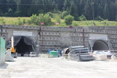 Tunel Višňové majú preraziť do konca augusta, diaľnica však bude meškať
